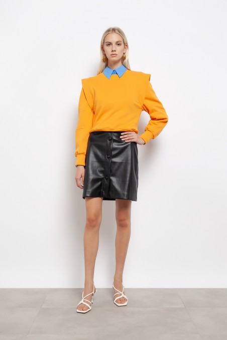 Short skirt in eco leather