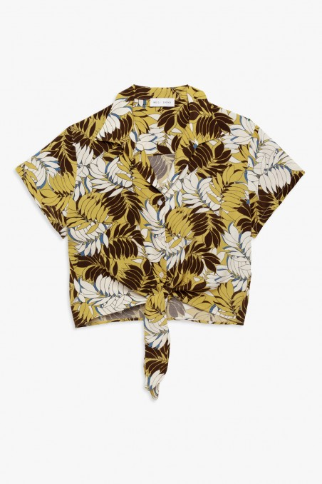 Short tropical print shirt with knot
